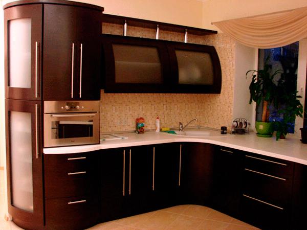 угловая гнутая кухня
