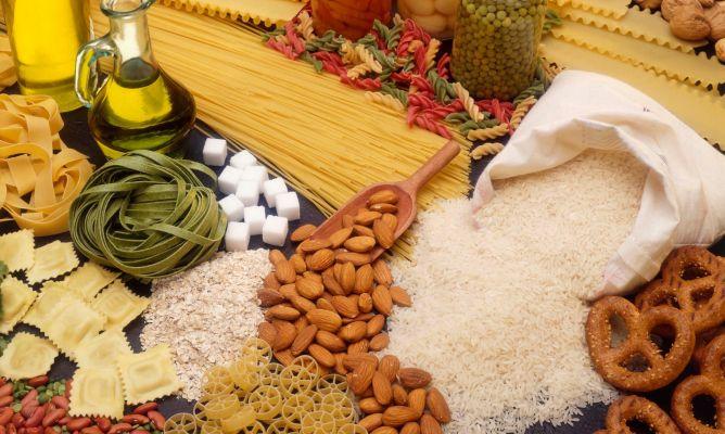 запасы и хранение продуктов на кухне